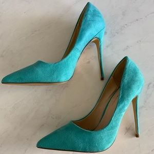 Shoes - Turquoise Pointed Heels
